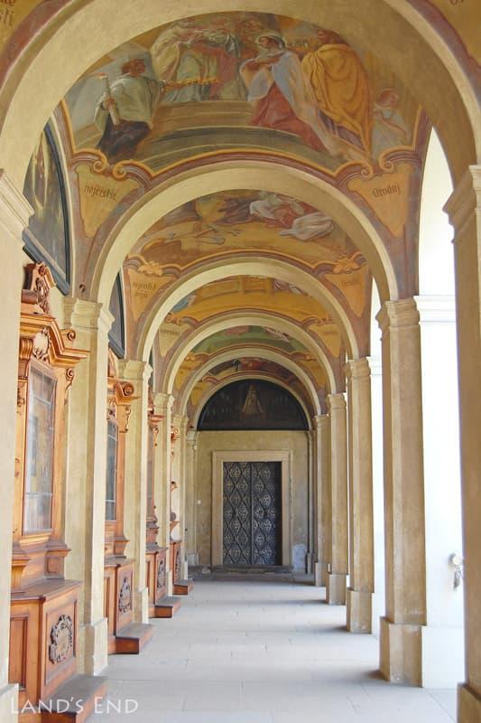 ロレッタ教会の回廊