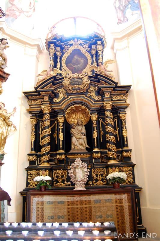 ロレッタ教会
