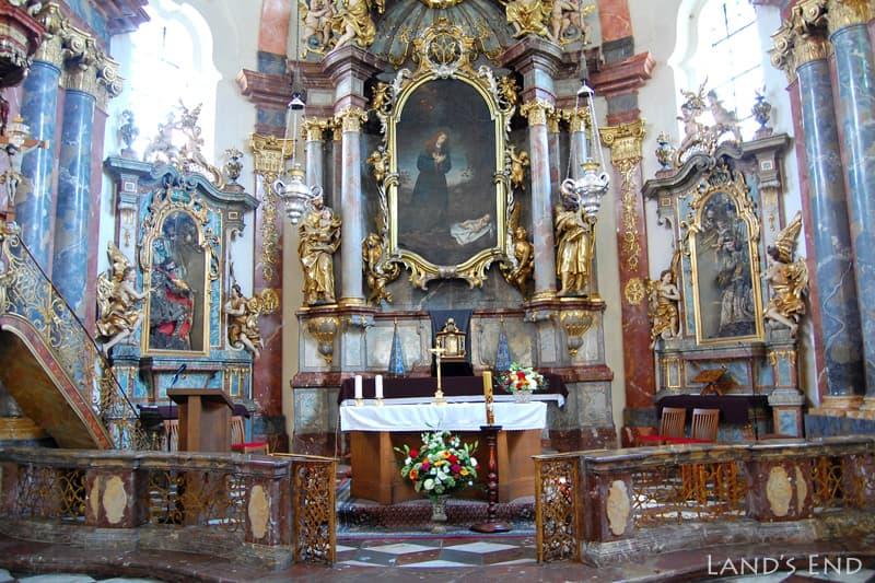 ロレッタ教会の礼拝堂