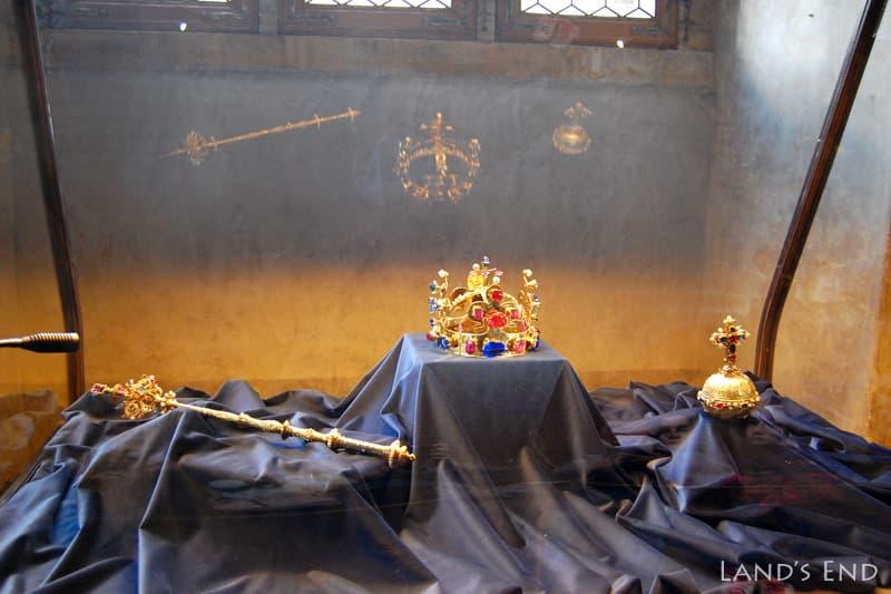 旧王宮、王冠のレプリカ