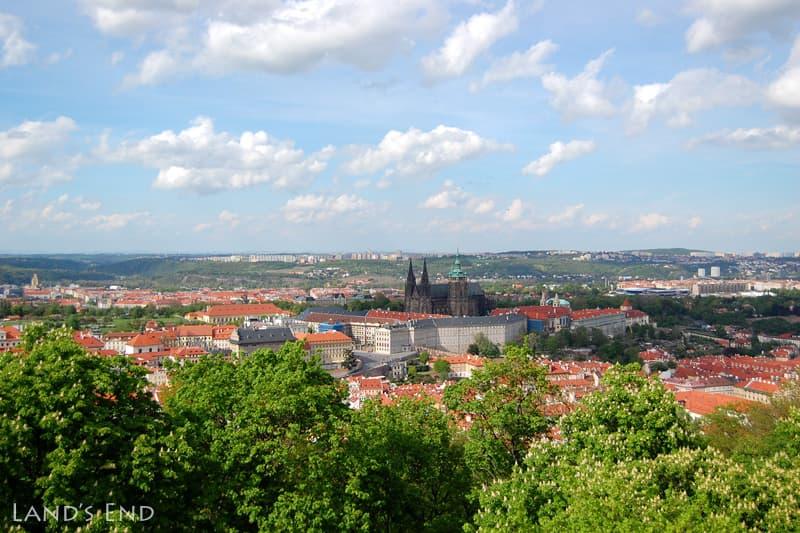 プラハ、ペトシーン公園の展望台からの眺め