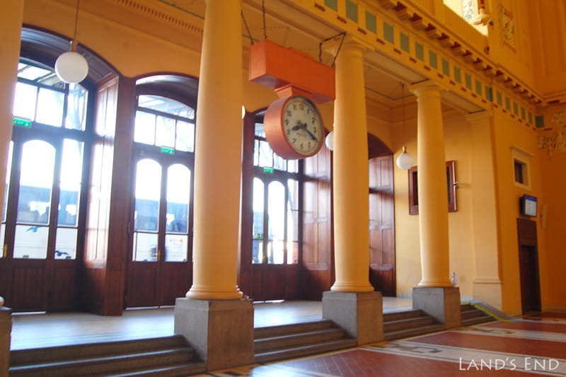プラハ本駅3階カフェ