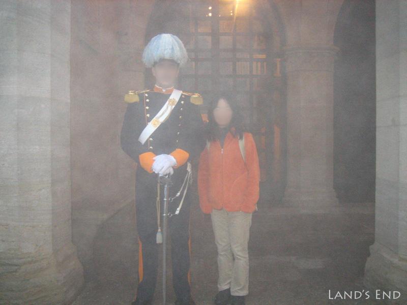 サン・マリノ、政庁舎で衛兵?さんと