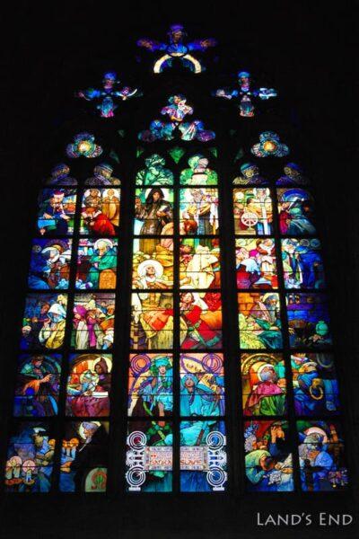 聖ヴィート大聖堂内、ミュシャのステンドグラス